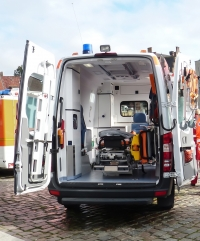 Smart bench for ambulances and air-ambulances